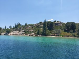 Diaporos Island – A fun day on a boat from Vouvourou Greece