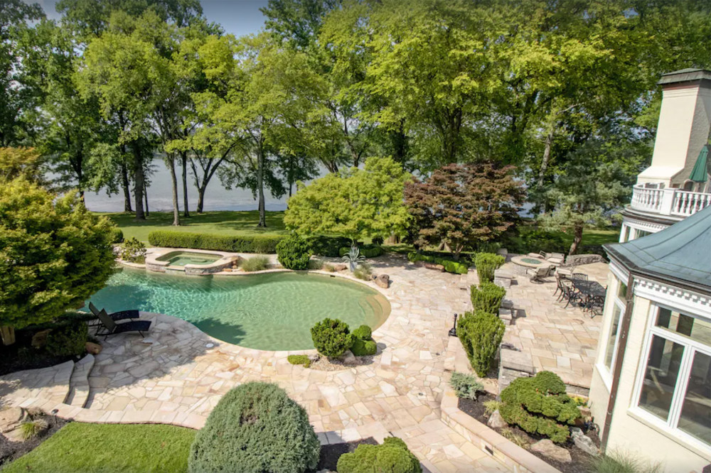 The pool at The Estate at Cherokee Dock in Lebanon, Tennessee,