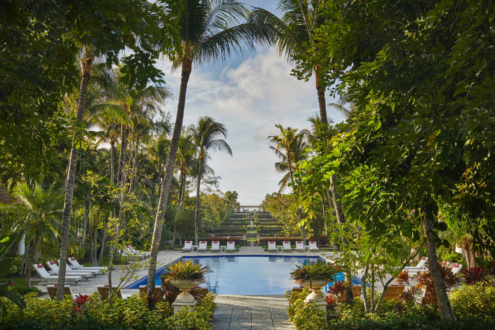 Pool and cloisters view at Ocean Club Four Seasons in Nassau