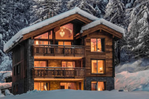 5 Ultra-luxe Ski Homes You Can Rent Right Now for the Holidays on Airbnb